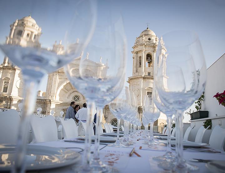 La prostitución como eje central de la última Cata con Arte desde la terraza más impresionante de Cádiz